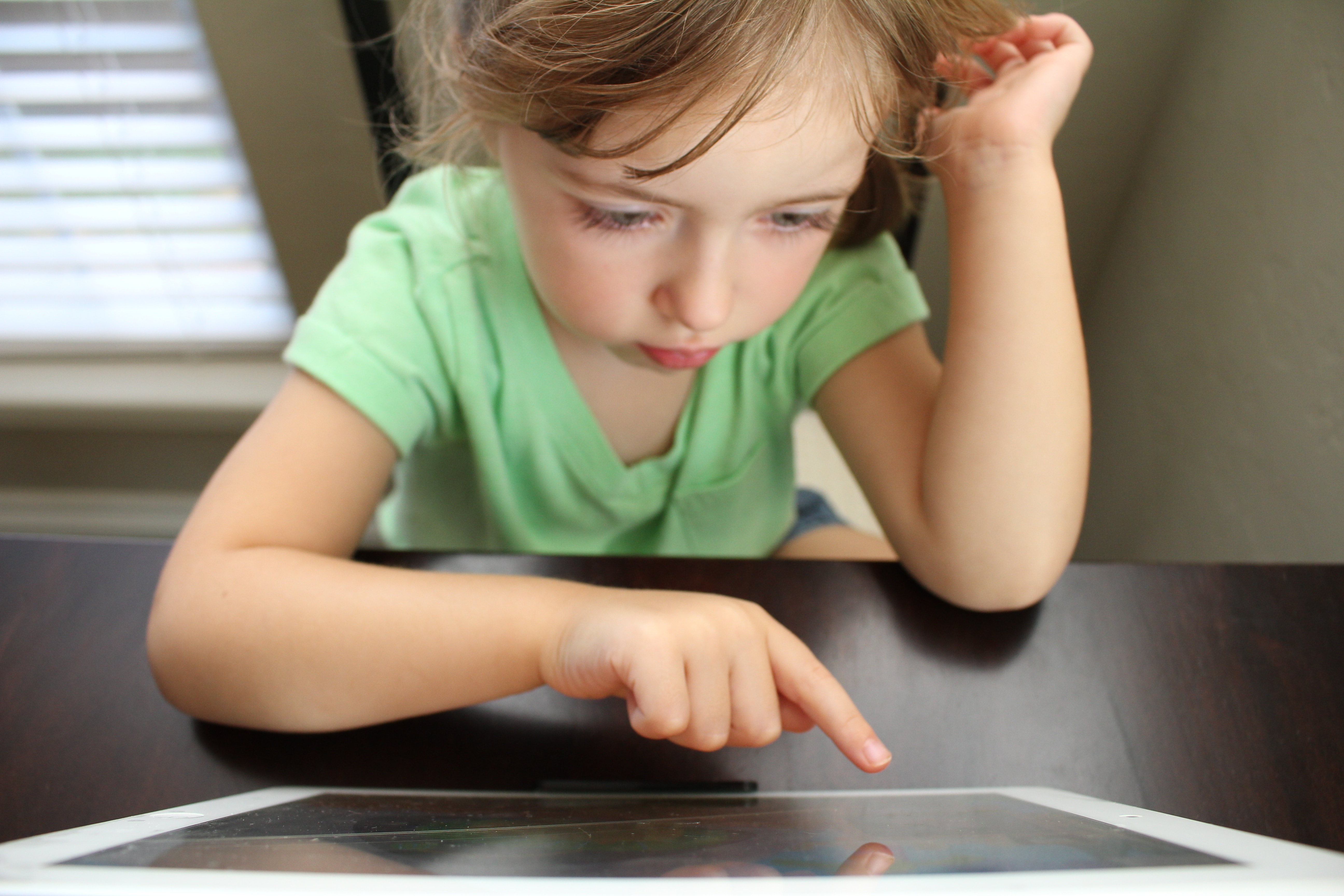 Children 'at risk of gambling addiction' through in-app purchases