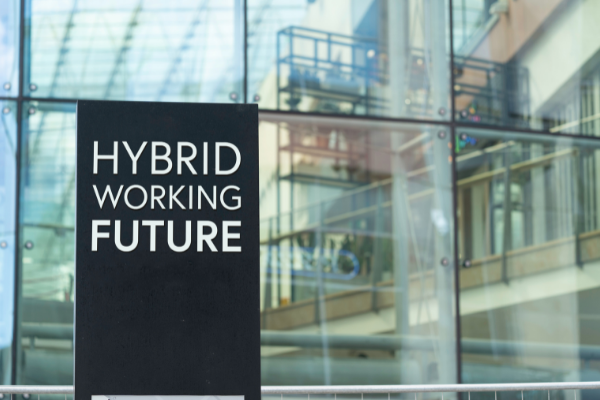 Hybrid working: the equipment you need